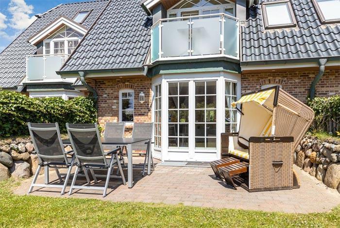 Appartement-Vermietung Bals - Haus Rosengrund - Boy-Truels-Straße 2b | Sylt | Westerland, 3-Zimmer-EG-Wohnung  | Maisonette für 4 Personen mit 2 Schlafzimmer, 2 Badezimmer, Gäste WC, ca. 82 m2