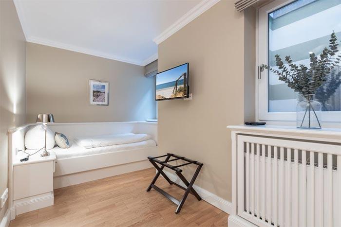 Appartement-Vermietung Bals - Residenz Meeresrauschen - Steinmannstraße 49   3 Kon Tiki   Sylt   Westerland, 3-Zimmer-EG-Wohnung    Maisonette für 4 Personen mit 2 Schlafzimmer, 1 Badezimmer, Gäste WC, ca. 69 m2