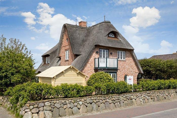 Sylt Reetdachhaus friesenweg 12a sylt ferienhäuser und ferienwohnungen in westerland